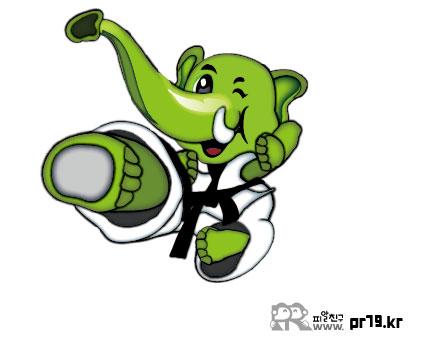 200728태권도하는 코끼리의 날라차기시범-01.jpg